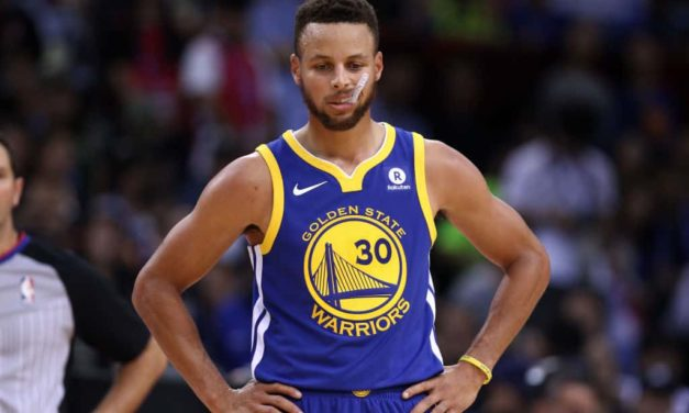 Brutta notizia per i Golden State Warriors: frattura alla mano per Stephen Curry