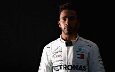 Hamilton in Ferrari: contatti tra John Elkann e il campione del mondo