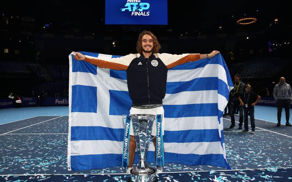 Tsitsipas nella storia: le Atp Finals sono sue, sconfitto Thiem in tre set