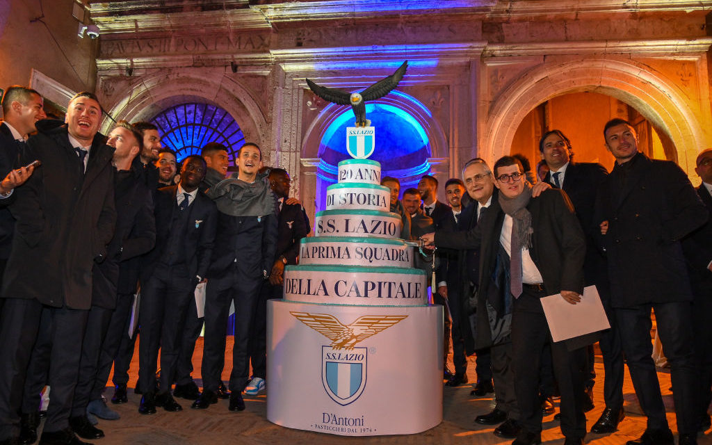 Tanti auguri Lazio! I biancocelesti festeggiano i 120 anni a Castel Sant'Angelo