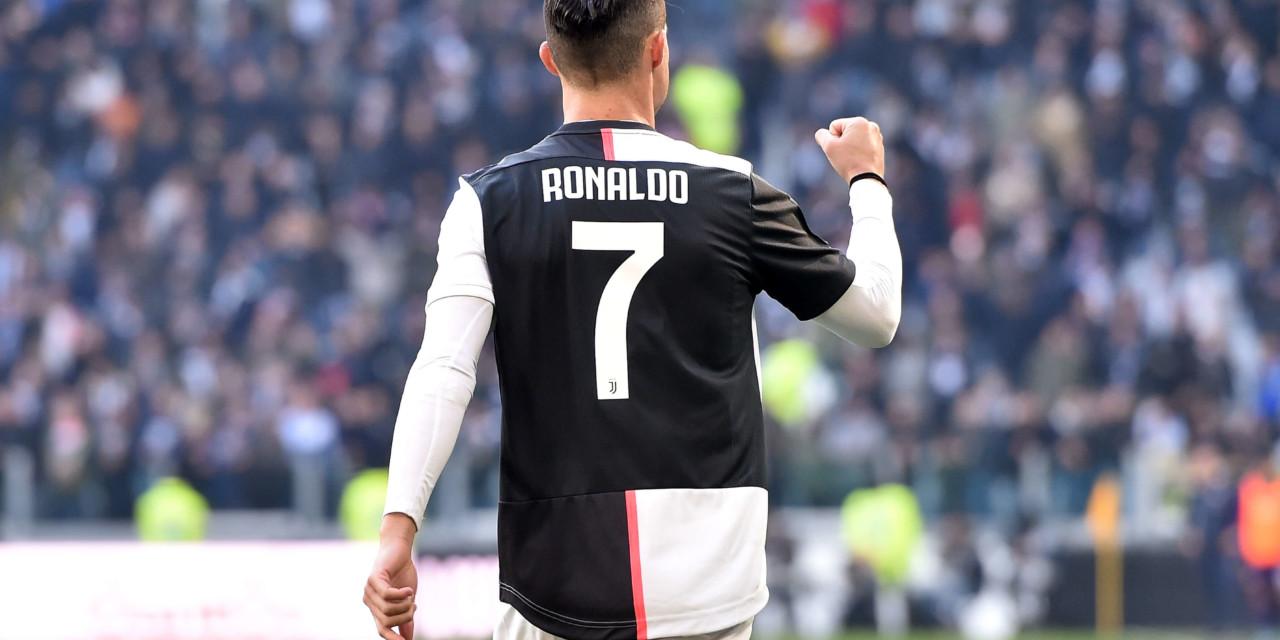 Serie A, è tempo di rinnovi e riscatti: Cristiano Ronaldo alla Juventus fino al 2022. Ibrahimovic lontano dal Milan, mentre Sensi potrebbe salutare l'Inter